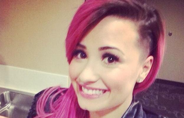 Demi Lovato'nun Boyalı Saç Rengi